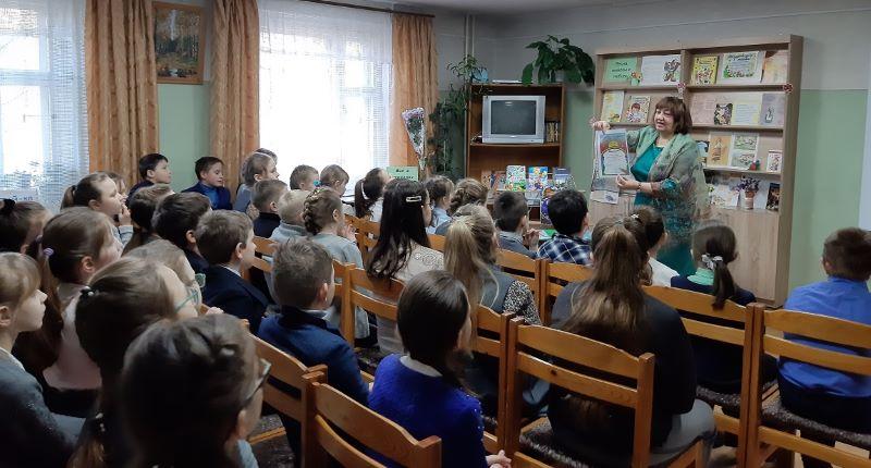 Евгения Шапиро привезла детям солнышко