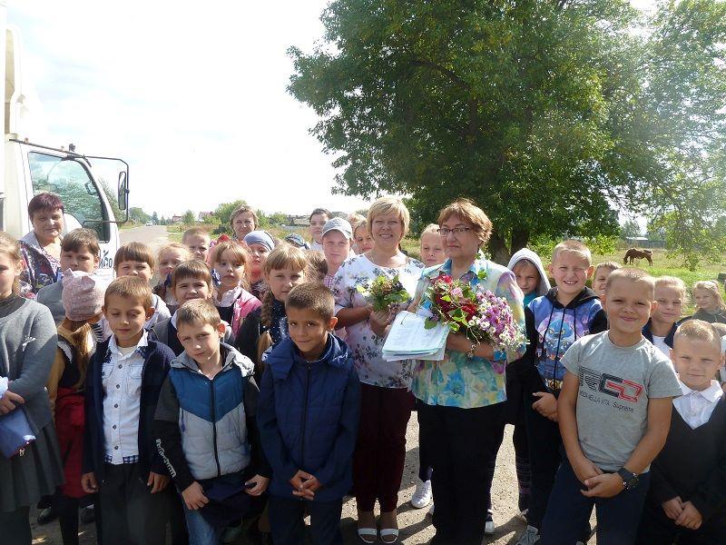 Евгения Шапиро встретилась с учащимися в Марьинской сельской библиотеке