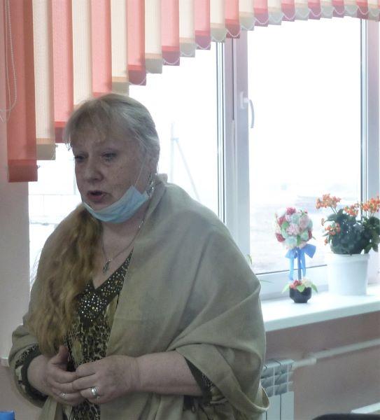 Библиомобиль с Еленой Леоновой побывал в Брасовском районе