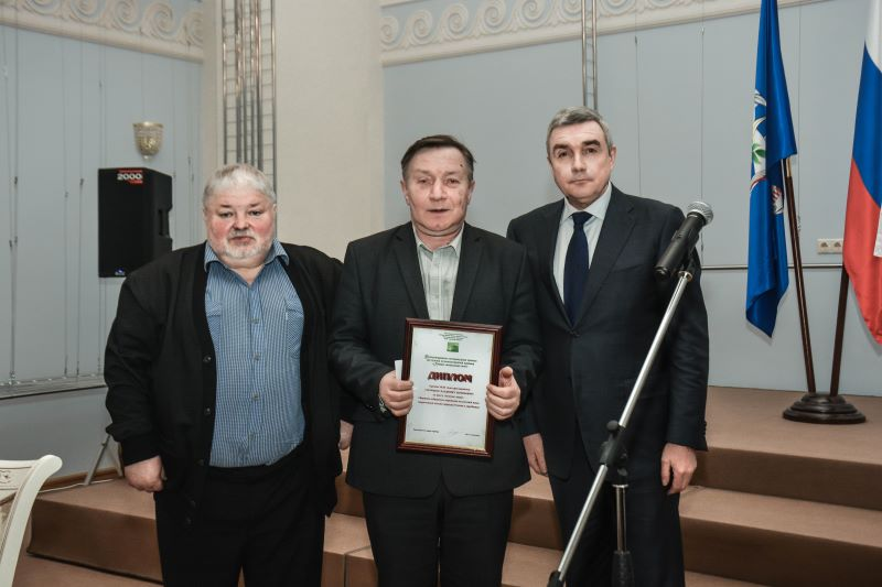 Поздравляем Владимира Сорочкина с получением литературной премии!